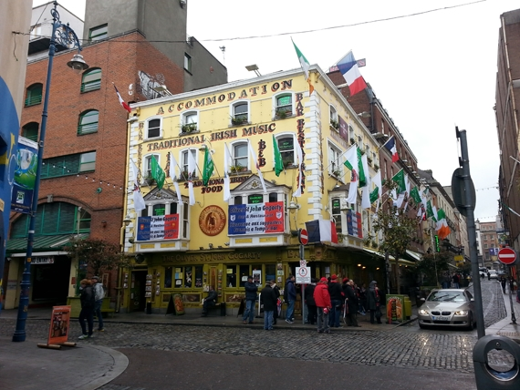 Traditional Irish Music at The Oliver St. John Gogarty – Temple Bar Dublin